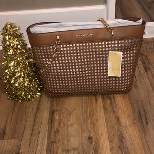 Kinsley large tote